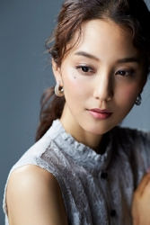Ms. Arine is a very beautiful & elegant Japanese & Asian beauty fashion model, she is 173 cm, she is tall and slender, she wears a light blue short-sleeved blouse.