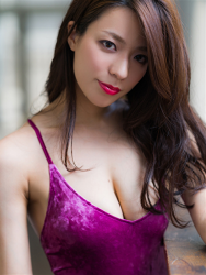 Ms. Asami was shot head-on, her bust is 89 cm, her breasts are relatively large, her figure is very graceful, and she is a sexually attractive woman, she is wearing a (purple swimsuit) Japanese & Asian sexy beauty breast gravure idol (swimwear model), she is a sexually attractive woman.