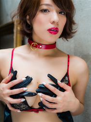Ms. Asami is a Japanese & Asian sexy beauty gravure idol (bikini model) & actress, her bust is 89 cm, her breasts are relatively large, and her body is very graceful, she is wearing black and red lingerie, she is wearing a collar, she is a sexually attractive woman.
