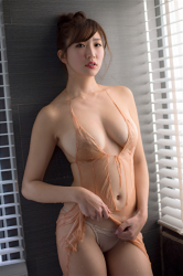 The Japanese & Asian sexy beauty gravure idol Ms. Eira wears a flesh-colored petticoat and white panties and takes sexy photos in the bathtub, her bust is 87 cm, she has a slender figure and a beautiful body, she is a sexually attractive woman.
